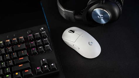 logitech  pro  superlight wireless gaming mouse features