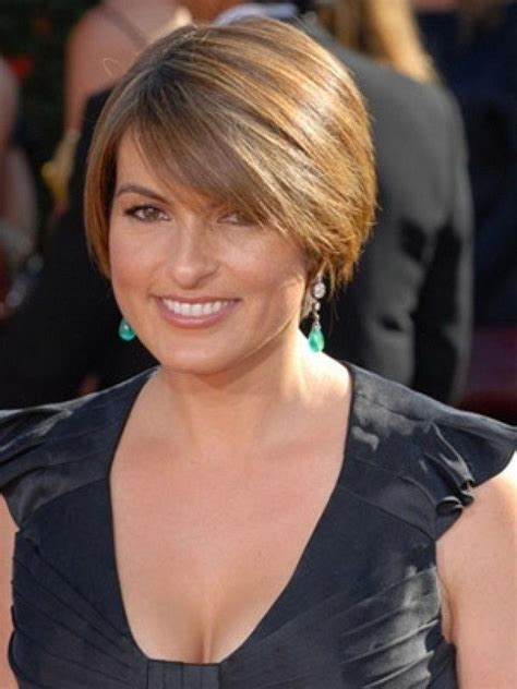ideas  short hairstyles    year  woman
