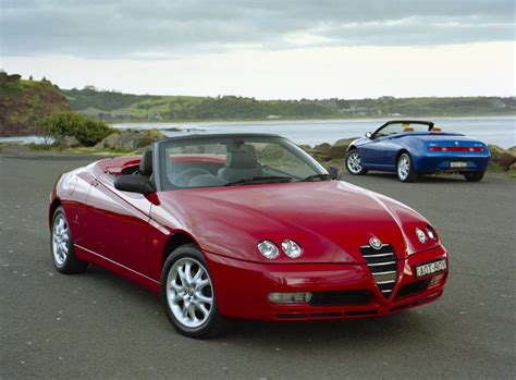 2001 Alfa Romeo Spider Photos, Informations, Articles