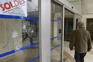 Boutique Gadget Paris : france 39 s jews flee as rioters burn paris shops attack synagogue huffpost uk ~ Preciouscoupons.com Idées de Décoration