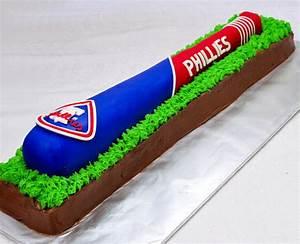 Haniela's: Philadelphia Phillies Baseball Bat Cake - Tutorial