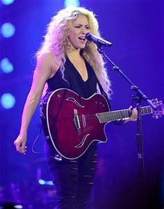 Watch: Shakira Performs T-Mobile Concert at Bryant Park In ...
