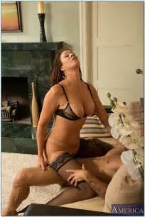 Smoking Hot Woman Vanessa Videl Screwed MILF Fox