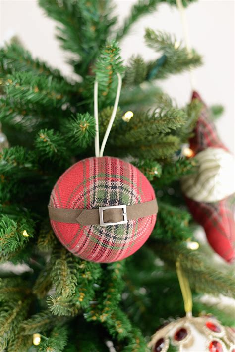 plaid christmas ornaments decorating ideas feed
