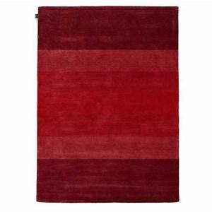 Tapis moderne noir et blanc tisse main en coton et laine for Tapis rouge avec canapé 145 cm