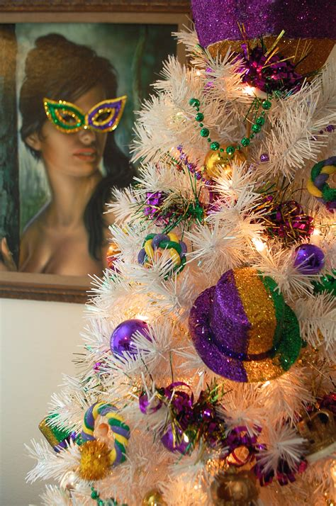 decorate  table top mardi gras tree treetopia blog