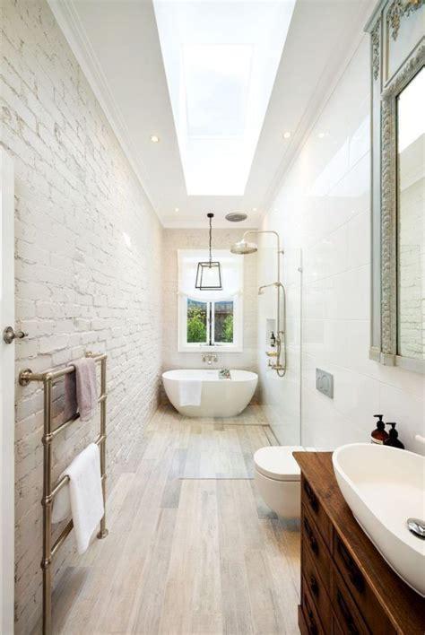 draw  long narrow bathroom layout long
