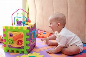 Spielzeug Jungen Ab 5 : sinnvolles spielzeug f r 1 j hrige kleinkinder g nstig findenspielzeug ratgeber ~ Watch28wear.com Haus und Dekorationen