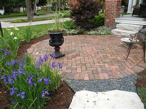 Circular Brick Patio Designs Pictures - Modern Patio & Outdoor