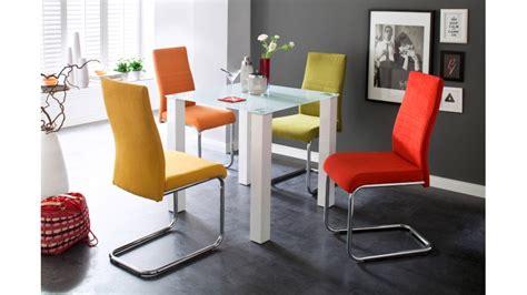 chaises de couleur chaise moderne en tissu de couleur chic et élégante