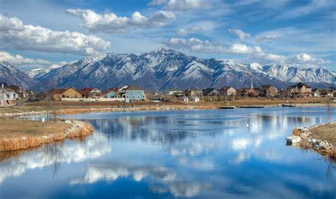 8 Utah Lake Towns To Visit This Spring