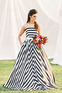 Modern Wedding Style: Kate Spade • How To DIY Wedding Flowers