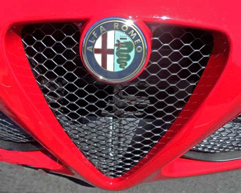 2015 Alfa Romeo 4c Brings Sports Car Dna To The Us Review