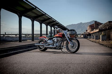Harley Davidson Breakout Backgrounds by Racing Caf 232 Harley Davidson Fxsbse Cvo Breakout 2014