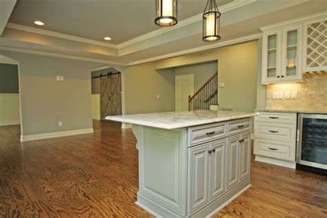 What color white are the trim/baseboards?