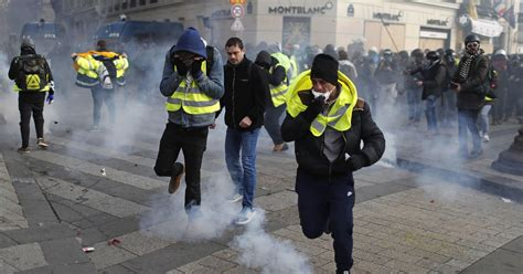 french police arrest   protesters  paris
