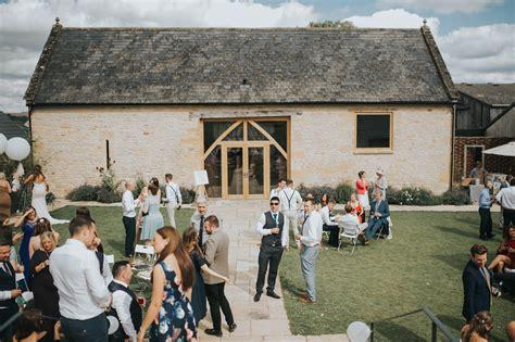 beth craig  barn  upcote wedding weddingplanner