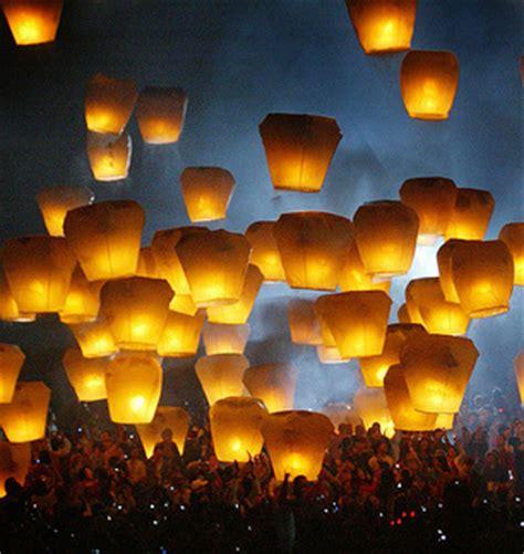 make a flying lantern balloons and funky headgear i new malden