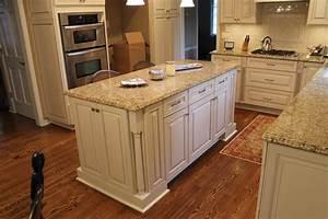 new-venetian-gold-granite-countertops-Kitchen-Traditional