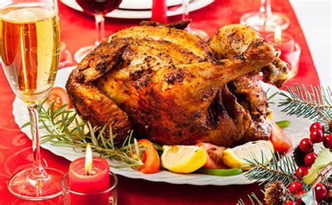 cuisiner une dinde pour noel dinde et chapons 7 recettes de volailles festives pour