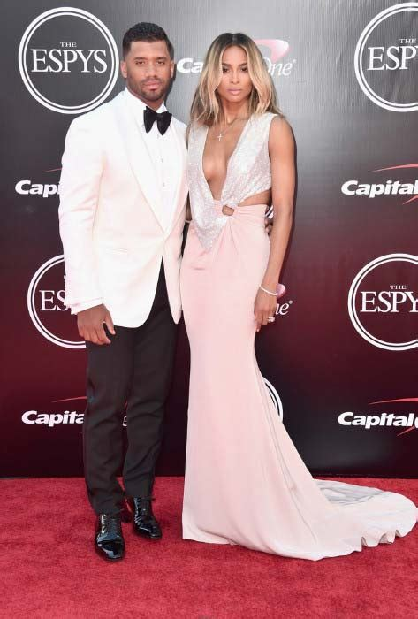 russell wilson height weight body statistics healthy celeb
