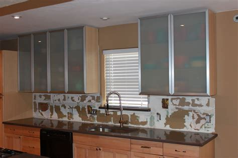 Ikea Küche Tür by Kitchen Cabinets Are Hung Kitchen Glass Kitchen