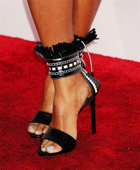 janelle monae red carpet  shoes meeko spark tv