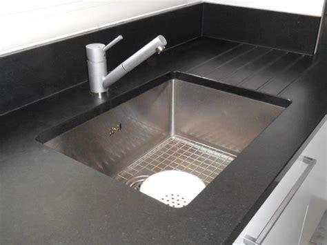 plan de travail cuisine granit noir plan de travail en marbre pour cuisine plan de travail marbre pour une cuisine pleine de