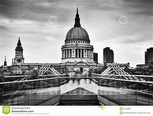 St Paul's Cathedral Dome Seen From Millenium Bridge In ...