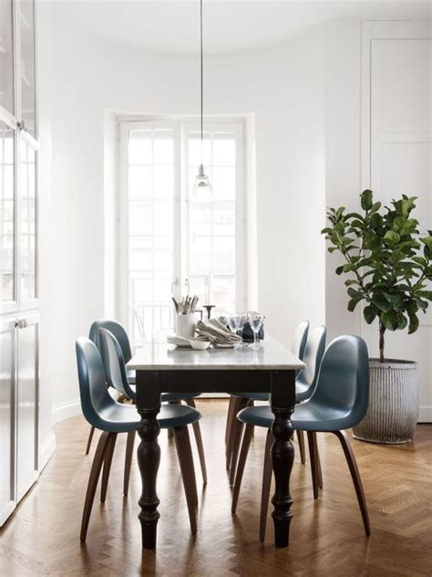 ways  match  antique table  modern chairs digsdigs