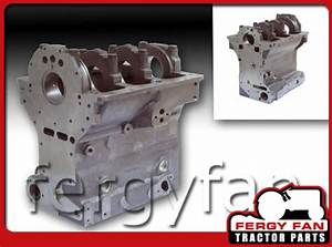 Massey-Ferguson Tractor Water Pump MF 35 35X 50 135 203 205 Perkins 3.152 Trapez