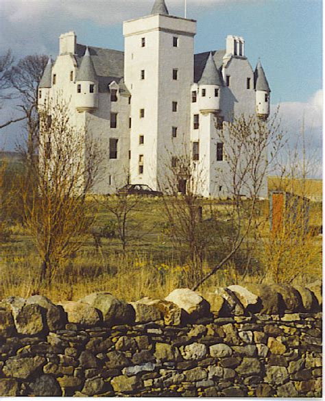 leslie castle wikipedia