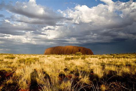uluru ayers rock alice springs australia beautiful places to visitbeautiful places to visit