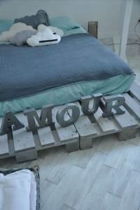 Comment Faire Un Lit En Palette : lit en palette bois lasure gris bleu ~ Nature-et-papiers.com Idées de Décoration