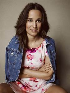 Pippa Middleton shows off her famous derriere on shopping ...