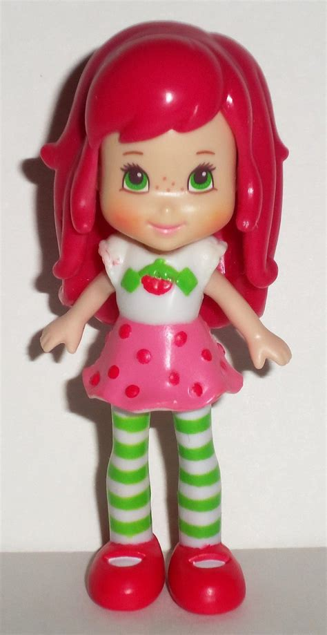 hasbro  strawberry shortcake doll  berry sweet