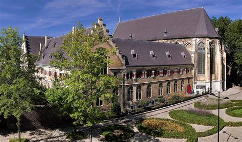 Kruisherenhotel Maastricht (the Netherlands)  Design Hotels™. Villa Lavandula Hotel. Mount 7 Guesthouse And B And B. Empire Palace Hotel. Alba Royal Hotel. Hotel Villa Regina. Melia Ria & Spa Hotel. Yoho Kids Hotel. Mercure Hotel Kassel