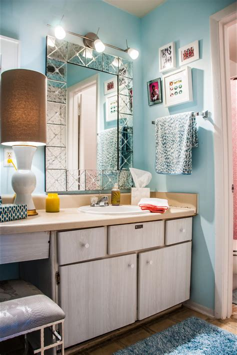 Hgtv Bathroom Decorating Ideas by Small Bathroom Ideas On A Budget Hgtv