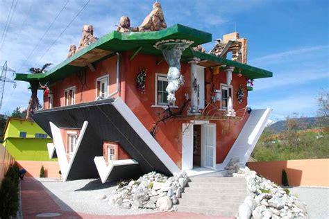 Haus Am Kopf Oder Das Verkehrte Haus In Tirol