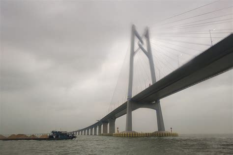 hong kong macau bridge file span of hong kong zhuhai macau bridge 2018 03