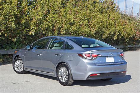 Hyundai Sonata Cost by 2016 Hyundai Sonata Hybrid Road Test Review Carcostcanada