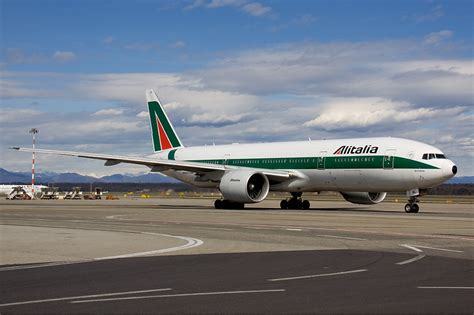 boeing 777 200 the trusted aircraft in the world 187 vehicle corner
