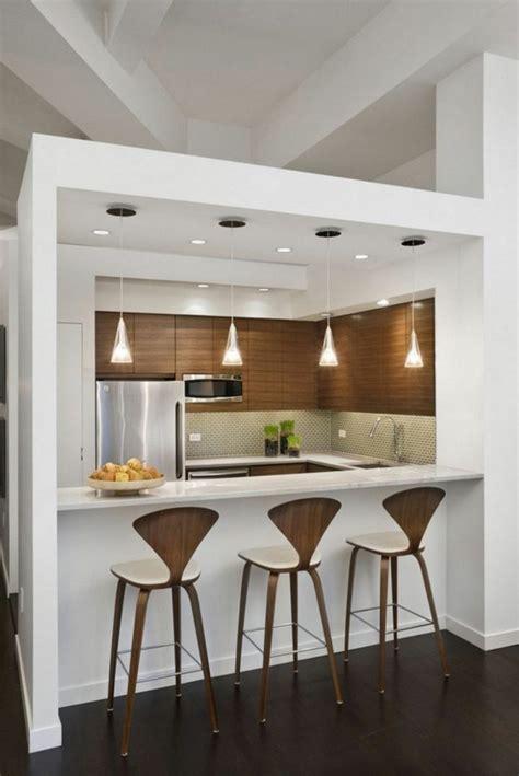 bar cuisine bois cuisine avec bar en styles variés pour un intérieur convivial