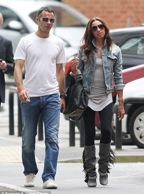 relationship  football giggs  stacey mingling