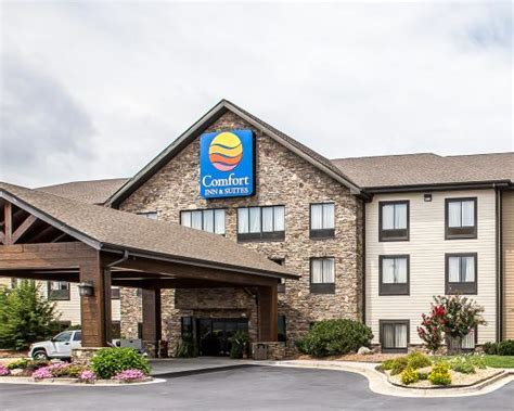 Comfort Inn & Suites Blue Ridge  ($̶1̶2̶4̶)
