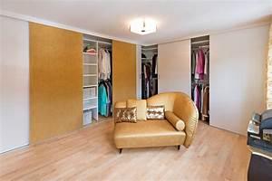 Gardinenstange über Eck : ankleideraum mit kleiderschr nken ber eck auf zu ~ Michelbontemps.com Haus und Dekorationen