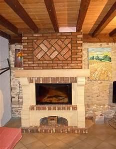 Cheminée En Brique : cheminee brique ~ Farleysfitness.com Idées de Décoration