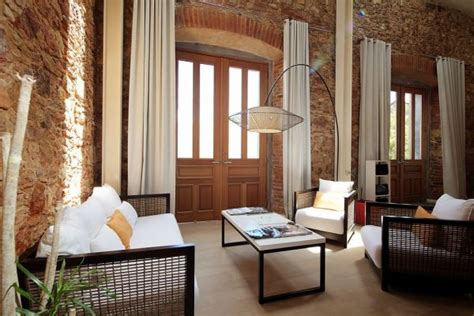 stone walls  elegant features   duplex