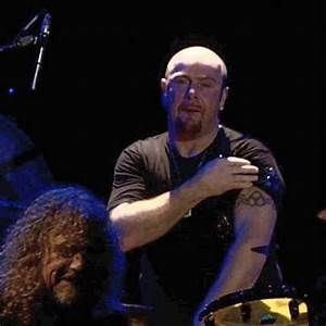 Jason Bonham (with Plant in front)   ♬ Led Zeppelin ...
