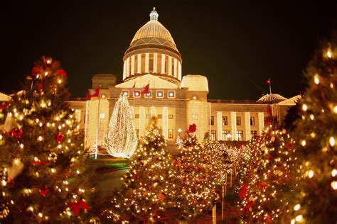 rock christmas light displays